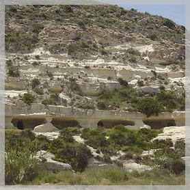 las-cuevas-de-yesos-de-Sorbas-aptos-aguamarga